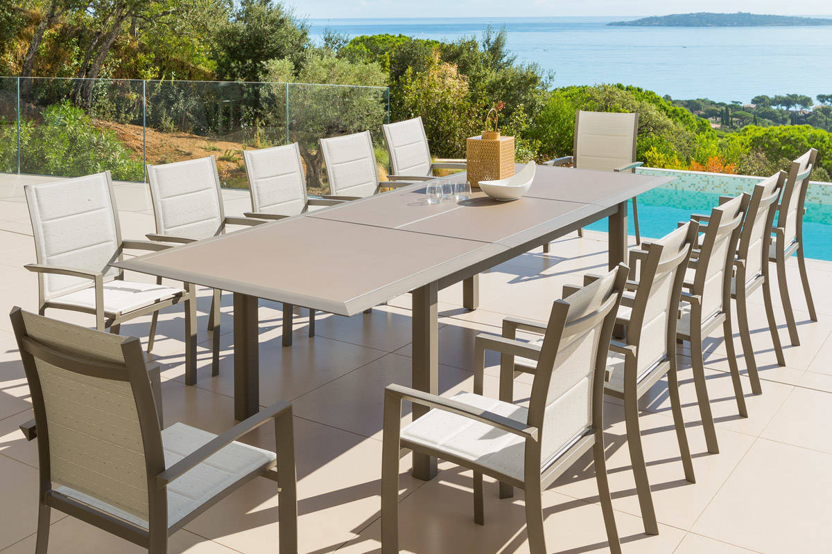 La table de jardin l 39 atout d co economiser la maison - Table de jardin aluminium jardiland ...